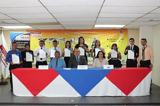 """CLAUSURA DE DIPLOMADO """"SERVICIO PROFESIONAL DE BEBIDAS Y ALIMENTOS"""""""