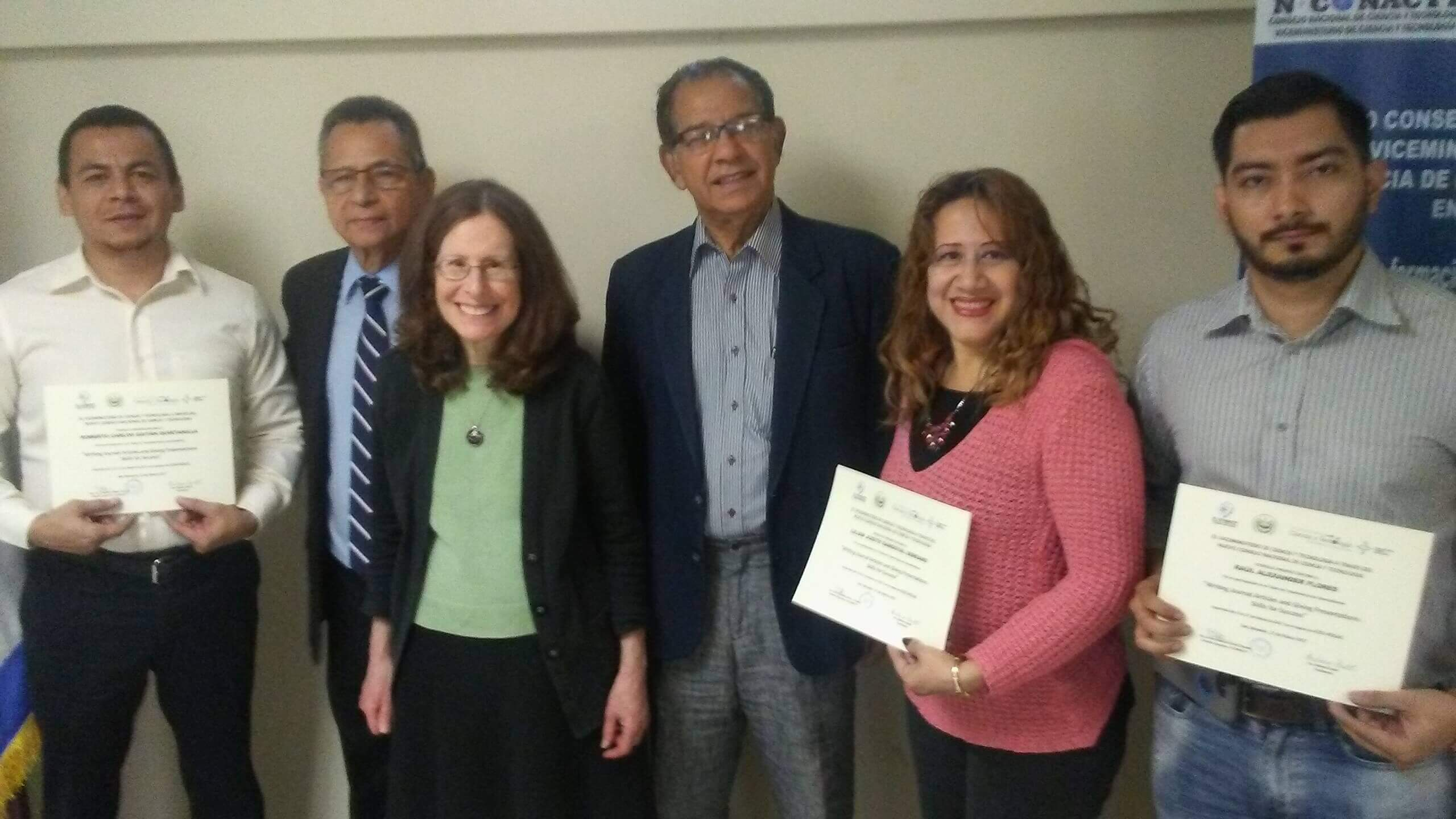 """DOCENTES INVESTIGADORES PARTICIPAN EN TALLER """"WRITING JOURNAL ARTICLES AND GIVING PRESENTATIONS: SKILLS FOR SUCCESS"""""""