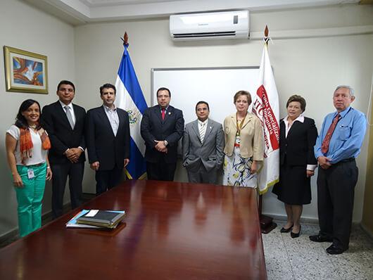 VISITA DE REPRESENTANTES DE LA UNIVERSIDAD TECNOLÓGICA DE HONDURAS