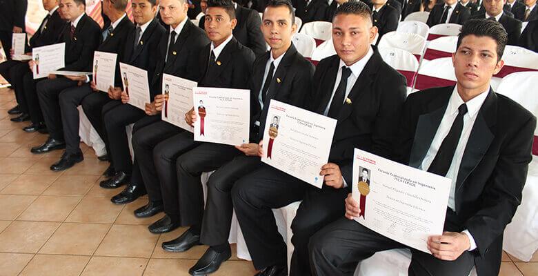XXXIV CEREMONIA DE GRADUACIÓN DE TÉCNICOS EN REGIONAL SANTA ANA