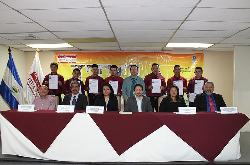 CLAUSURA DE LOS CURSOS ELECTRICISTA INDUSTRIAL Y MECÁNICO DE MANTENIMIENTO INDUSTRIAL