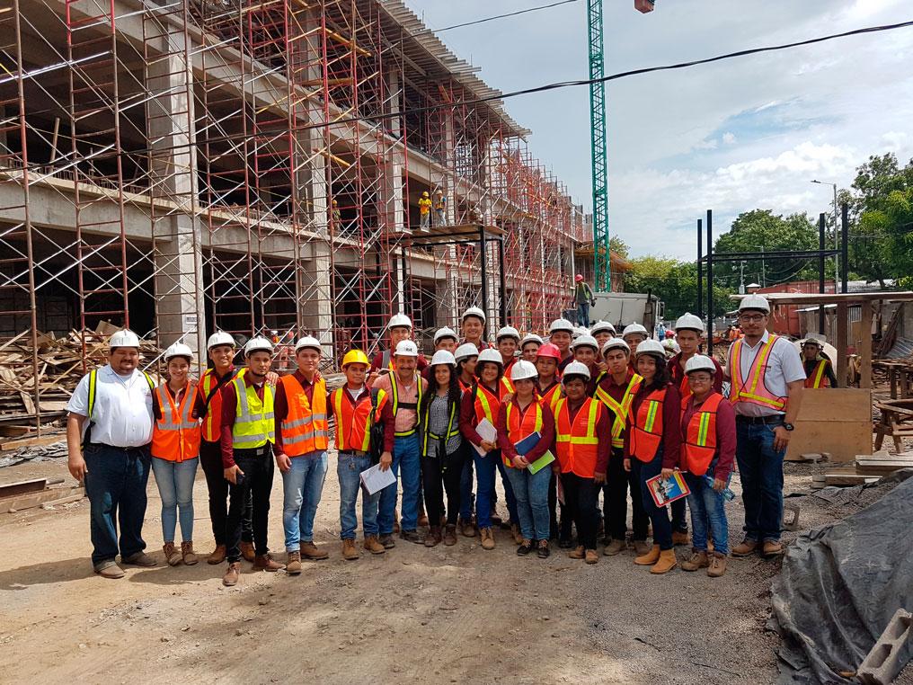 VISITA A INSTALACIONES EN PROCESO DE CONSTRUCCIÓN DEL ISSS