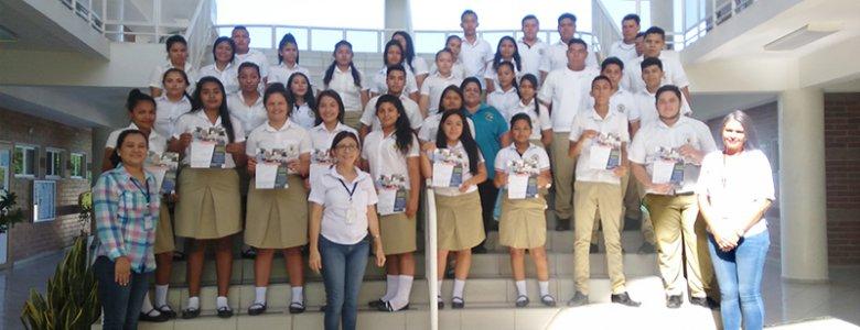 NOS VISITARON ESTUDIANTES DEL COMPLEJO EDUCATIVO CARLOS LOBATO -Zacatecoluca (1)
