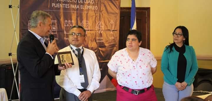 """ITCA REGIONAL SAN MIGUEL RECIBIÓ RECONOCIMIENTO """"PADRE JOAQUÍN LÓPEZ Y LÓPEZ"""""""